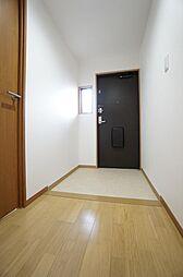 広い玄関です。お好きなシューズボックスを設置いただけます
