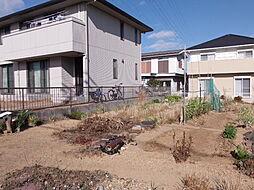 花園小学校まで徒歩9分(約650m)アオキスーパー武豊店まで徒歩8分(約600m)生活環境が整った立地