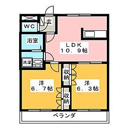静岡県御殿場市二の岡1丁目の賃貸マンションの間取り
