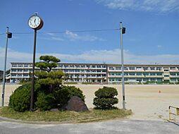 竜海中学校まで約700m 徒歩約9分