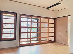 1F約7帖洋室は縁側〜リビングを繋ぐ開放的な洋間です。(1)