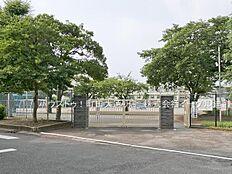 町田市立町田第六小学校 距離1100m 徒歩 約14分