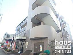 東京都世田谷区上祖師谷5丁目の賃貸マンションの外観