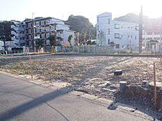 第一種低層住居専用地域の閑静な住宅街です。