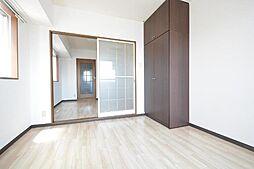レジデンスカープ名古屋の洋室