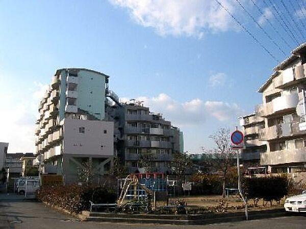 兵庫県尼崎市常松1丁目の賃貸マンションの外観