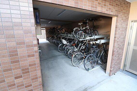 自転車置き場あ...