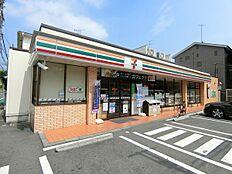 セブンイレブン西蒲田3丁目店(165m)