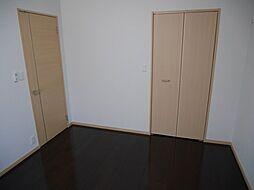 グランデスカイ空港南の洋室