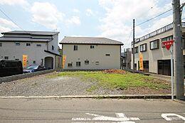 建物もカースペースも思いのままの整形地です。