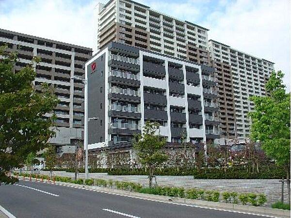 Park Side Residence[1階]