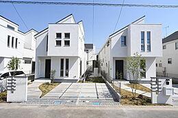 画像は同社施工例です。実際の現地とはデザインや色合いなどが異なります。詳しくはお気軽にお問い合わせくださいませ。(建物プラン例、建物価格1755万円、建物面積89.26m2)