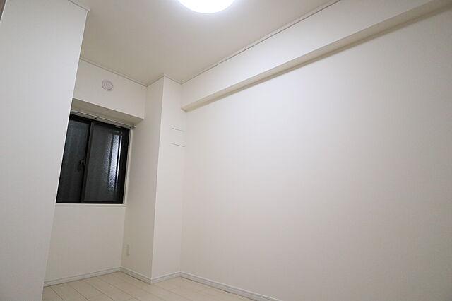 感性を育むプライベートルームはシンプルでスマートな空間