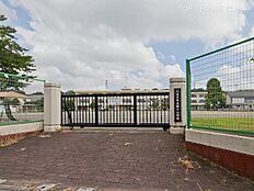 八王子市立第十小学校 距離480m