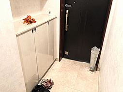タイルの玄関はお掃除しやすいです