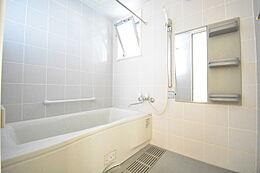 人気の一坪風呂・窓付で湿気やカビ予防にもなります