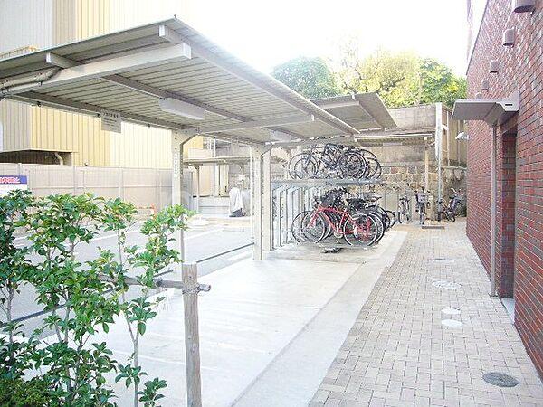 サンセリテ至誠会松崎町の駐輪場