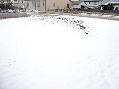 常磐線「赤塚」駅がご利用いただけます。