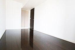 室内ハウスクリーニング済。落ち着いた色調の高級感ある内装です。