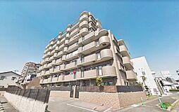 平成8年築のオートロック付きマンションの8階で新生活はいかがでしょうか。