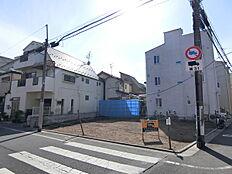 大井町線「荏原町」駅徒歩4分の好立地。駅から近いですが、静かな立地です。ぜひ現地にてご確認下さいませ。