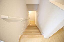フィオーレ八尾の内階段