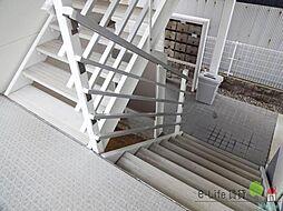 レオパレスボムール[3階]の外観
