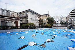 東急東横線「学芸大学」駅より徒歩約11分、柿木坂の土地のご紹介です。 現地写真