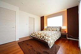プライベート空間にもラグジュアリーな空間を演出します。オーダーメイド住宅だからこそ叶う、贅沢な寛ぎと感動を実現します。(建物プラン例/建物価格1755万円、建物面積89.26m2)