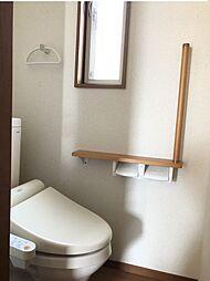 2階トイレにも手摺がついています