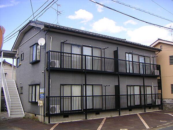 新潟県新発田市大手町2丁目の賃貸アパートの外観