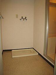 東山ハイツの室内洗濯置き場 同タイプ参考
