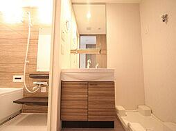 プレサンス丸の内レジデンスの脱衣所 独立洗面台(シャンプードレッサー)収納スペース有
