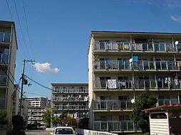 名谷8団地42号棟の外観