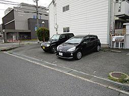 田辺ハイツの駐車場