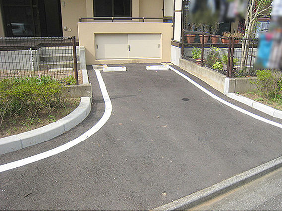 駐車スペース。...