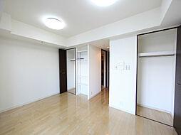 CASSIA車道の洋室8.7帖 クローゼット2か所(収納充実してます)