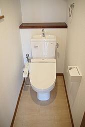 ウォシュレット付きの新品トイレ