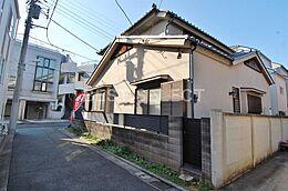 日本家屋の上物のある土地です。