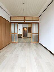 南東洋室(3)扉開けると広々ご利用いただけます