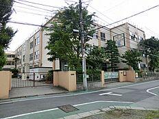 弘道小学校 688m
