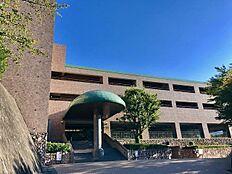来宮駅より徒歩4分 高台にそびえる大型マンション