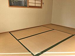 伏山 4LDKの居間
