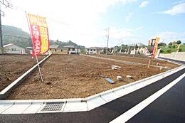 ・バス停徒歩2分 みなみ野駅やめじろ台駅など3路線が利用可能です。