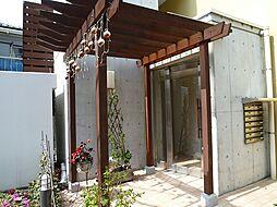 東京都中野区本町1丁目の賃貸マンションの外観