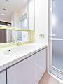 三面鏡付洗面台