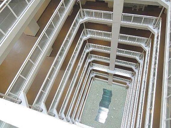 31階建てのタ...