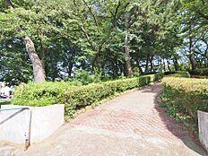 公園茂呂山公園まで560m