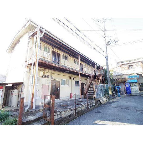 奈良県奈良市あやめ池南2丁目の賃貸アパートの外観