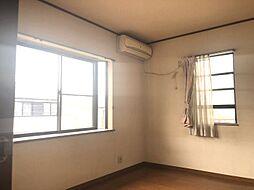 各部屋すべて2面採光になっているので日当たり良好です